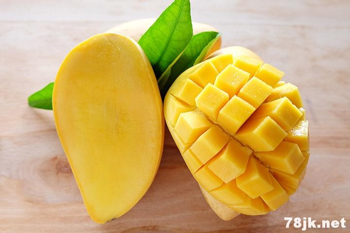 孕妇可以吃芒果吗:孕妇吃芒果的 9 个好处以及副作用