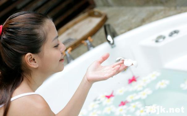 女人洗澡:时间应该更长的 5 个原因以及好处