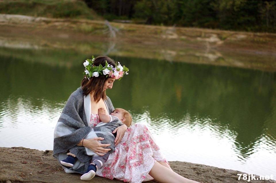 分析母乳喂养的利与弊