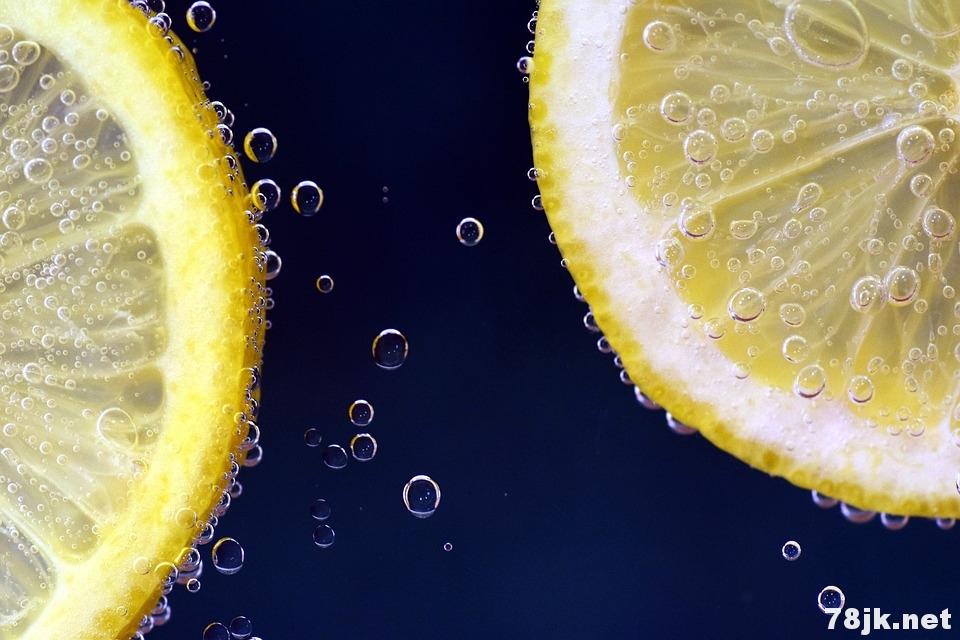 柠檬以及柠檬水的 15 个功效与作用