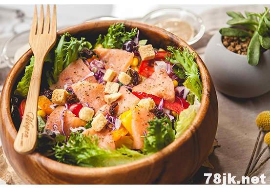 每天一鱼汤、果汁、蔬菜轻松抗癌,来看一下是什么原理