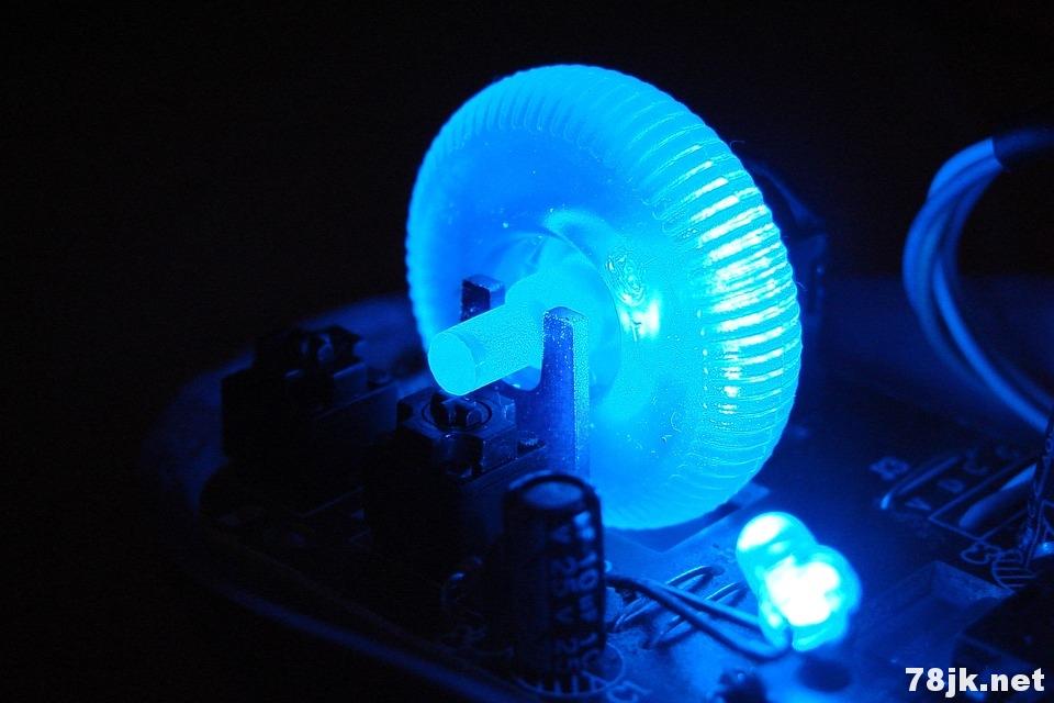 蓝光对健康有什么好处和危害?