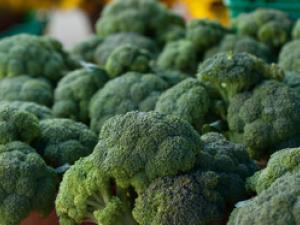 15 种富含维生素 K 的食物以及维生素 K 的益处、补充剂量