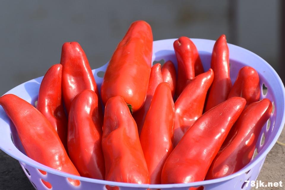 红辣椒的 12 个功效以及作用:降血压止痛防癌长寿