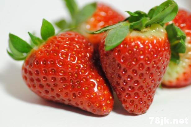 草莓舌可能是哪些疾病引起的(参考美国 WEBMD 医疗资料)?