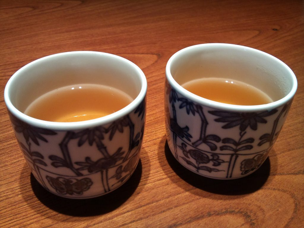 喝过热的茶可能会让你的癌症几率扩大多倍!