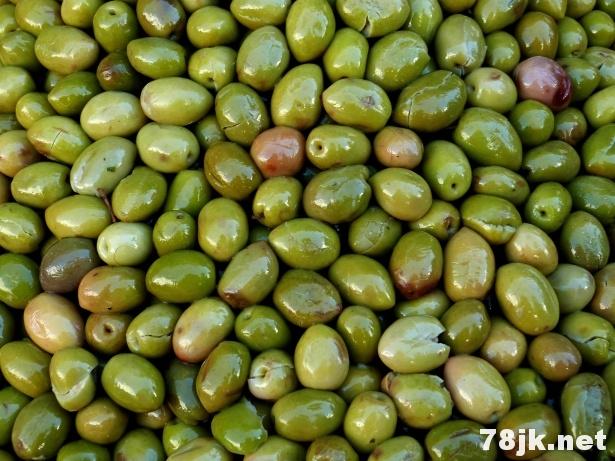 卡拉马塔橄榄的 6 个惊人的好处和功效