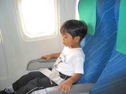 宝宝坐飞机的 4 个安全注意事项