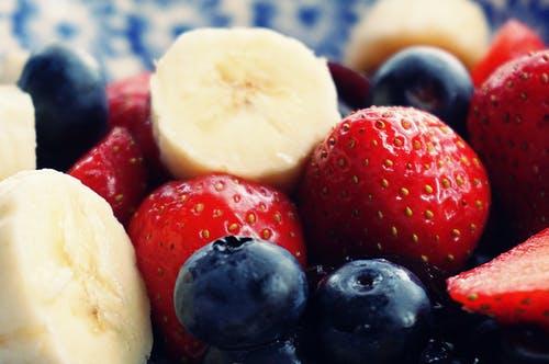 促进大脑健康的10种食物_吃什么大脑更健康