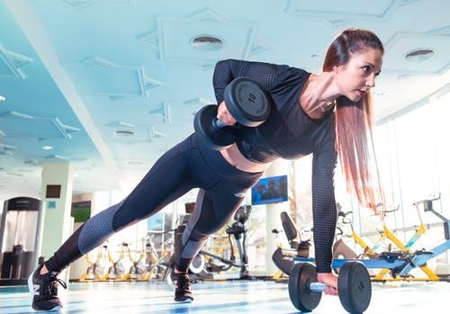 帮助燃烧体内脂肪的7种办法(饮食+锻炼)