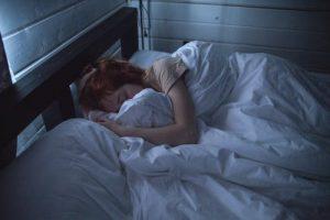 一天未必要睡8个小时,强行遵守反而导致焦虑失眠