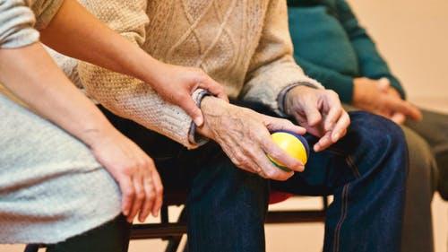 中药加针灸预防改善老年痴呆
