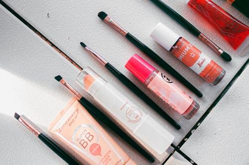 化妆品中使用的化学药品可能会增加自闭症的风险